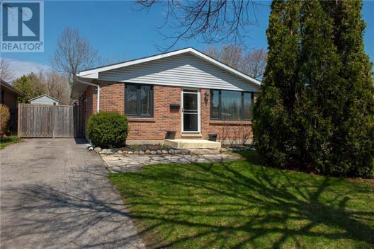 25 Hines Cres
